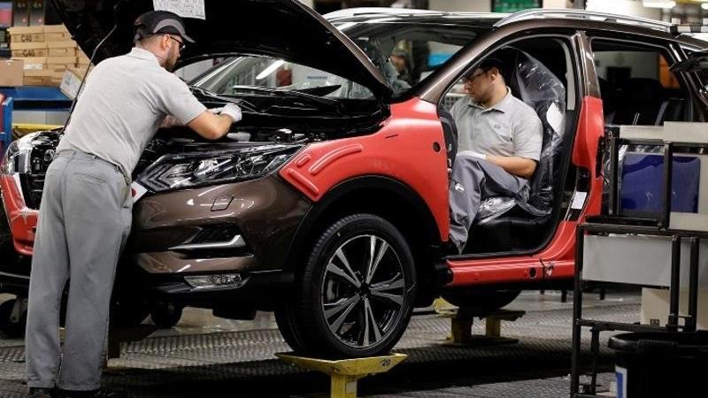 Nissan İngiltere'de Renault modellerini üretecek