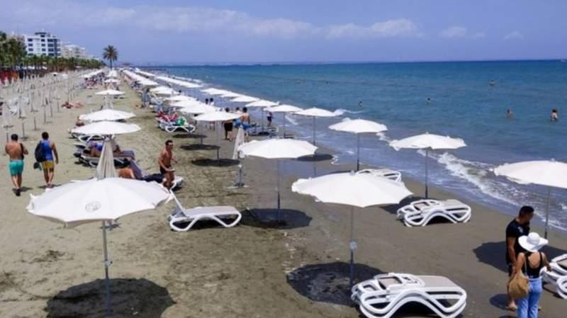 Güney Kıbrıs tatile geldikten sonra koronavirüse yakalananların masraflarını karşılayacak