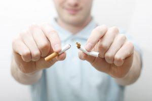 İngiltere'de çarpıcı sigara araştırması: Corona yüzünden 300 bin insan bırakacak