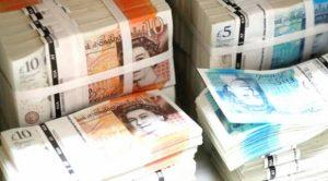 İngiltere'de kamu borcu ülke ekonomisinin büyüklüğünü aştı