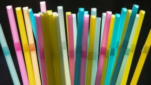 Almanya tek kullanımlık bardak, pipet ve çatal-kaşıkları yasakladı
