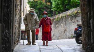 Koronavirüs salgını 'yaşlılara ayrımcılık ve kötü muameleyi artırdı'