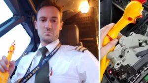 İrlanda'da uçağın gaz kolunu oyuncak tavukla çalıştıran pilotlara soruşturma