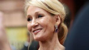 Harry Potter'ın yazarı da aile içi tacize ve cinsel saldırıya maruz kaldığını açıkladı