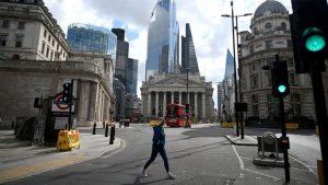 İngiltere MB faiz oranını değiştirmeyip varlık alım programını artırdı