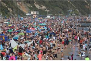 İngiltere'de koronaya karşı gerekirse plajlar kapatılabilir