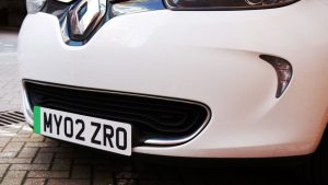 İngiltere'de elektrikli araçlar için yeşil plakalar kullanılacak