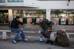 İngiltere'de hükümetten evsizler için 6 bin ev sözü