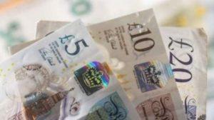İngiltere'de araştırma: 'Koronavirüs nedeniyle yoksul haneler borçlandı, varlıklı haneler tasarruf etti'