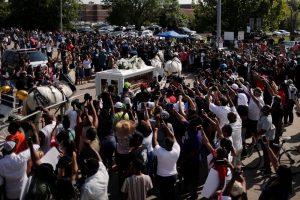 George Floyd'un cenaze törenine binlerce kişi katıldı