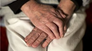 İngiltere'de 'çok sayıda yaşlı evlerinde tek başına öldü, cesetleri iki hafta sonra bulundu'