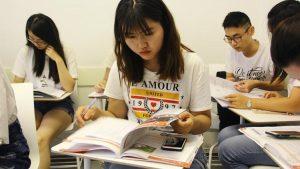 Kuzey İrlanda'daki üniversite Çinli öğrenciler için uçak kaldıracak