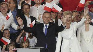 Polonya'da seçimi yeniden Cumhurbaşkanı Andrzej Duda kazandı