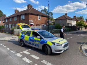 Ealing bölgesinde bir adam öldürüldü