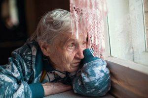 Bakımevlerinde 19 binden fazla yaşlı koronavirüsten öldü