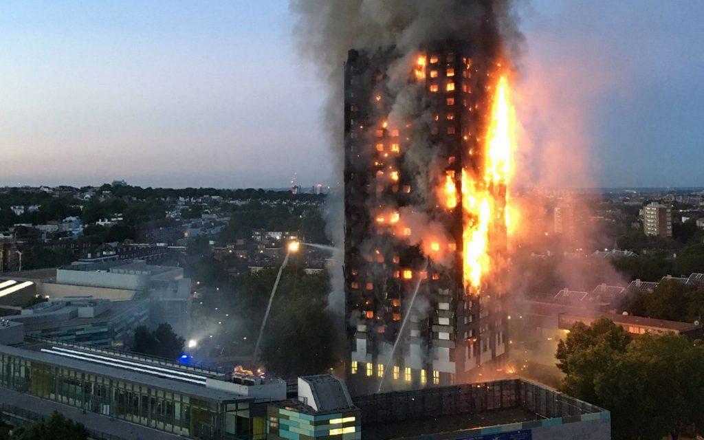 Grenfell Tower'da hayatını kaybedenler anıldı