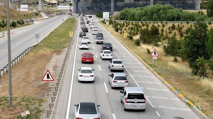 Türkiye'ye arabayla giden tatilcilere karantina şoku