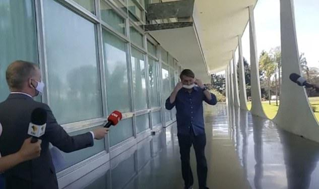 Maskesini çıkaran Brezilya Devlet Başkanı Bolsonaro'ya gazeteciler dava açacak