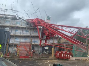 Bow crane collapse: Four people injured
