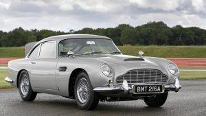 Aston Martin, efsanevi James Bond arabasını yeniden üretti