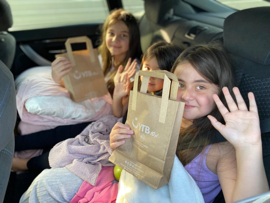 YTB distributes hygiene packages to Turkish citizens travelling