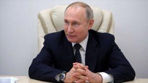 Putin'e 2036'ya kadar başbakanlık yolu açıdı