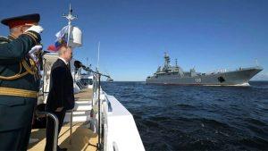 Rusya yeni silahlarıyla gövde gösterisi yaptı