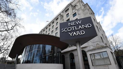 Londra'da yedi polis yaralandı