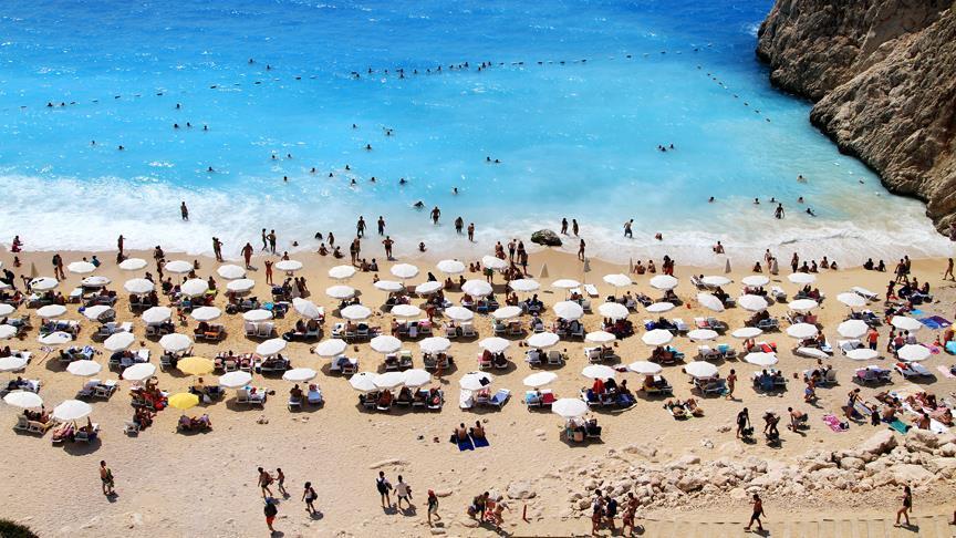 Hükümetten İngiliz turiste 'mayıs ayına kadar bekleyin' çağrısı