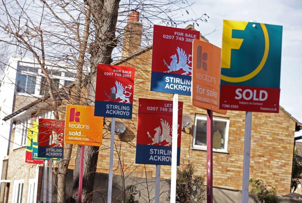 İngiltere konut fiyatları 8 yılın ardından düştü