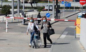 Güney Kıbrıs'ta maske takmayana 300 euro para cezası