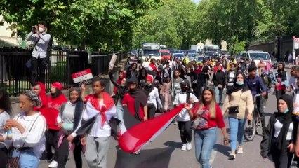 Londra'da, Yemen'e saldırılar ve Suudi Arabistan'a silah satışı protesto edildi