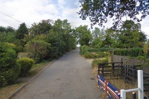 Enfield'de korkunç olay: Ağaçlık alanında kadın cesedi bulundu
