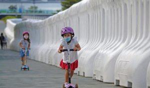 Koronavirüs: WHO'dan 12 yaş ve üzeri çocuklar için 'maske' tavsiyesi