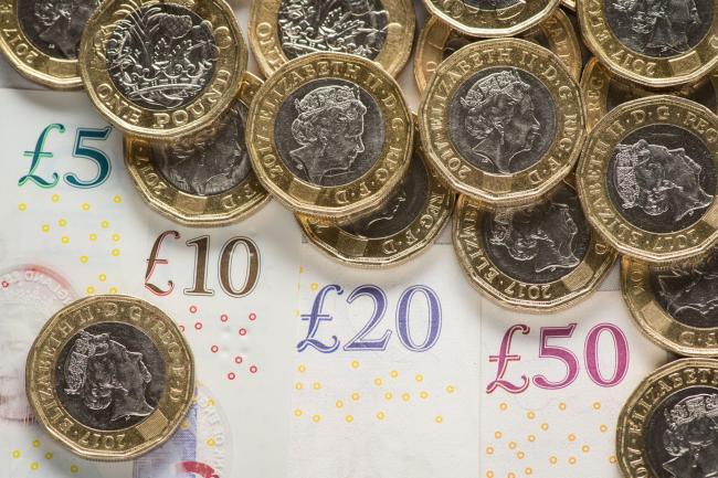 İngiltere ekonomisi resmi olarak resesyona girdi