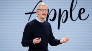 Apple CEO'su Tim Cook, milyarderler kulübüne girdi