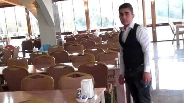 İki saldırgan, adres sorusuna cevap veremeyen 17 yaşındaki genci kalbinden bıçakladı