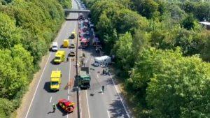 İngiltere'de cezaevi aracı kamyonla çarpıştı: 4 yaralı