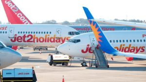 İstanbul-İngiltere seferini yapan uçak Yunanistan'a acil iniş yaptı