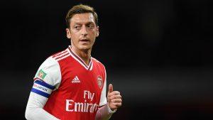 Mesut Özil'i Premier Lig kadrosu dışında bırakıldı
