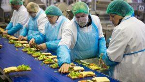 Northampton'da yaklaşık 300 fabrika işçilerin Covid-19 testi pozitif çıktı