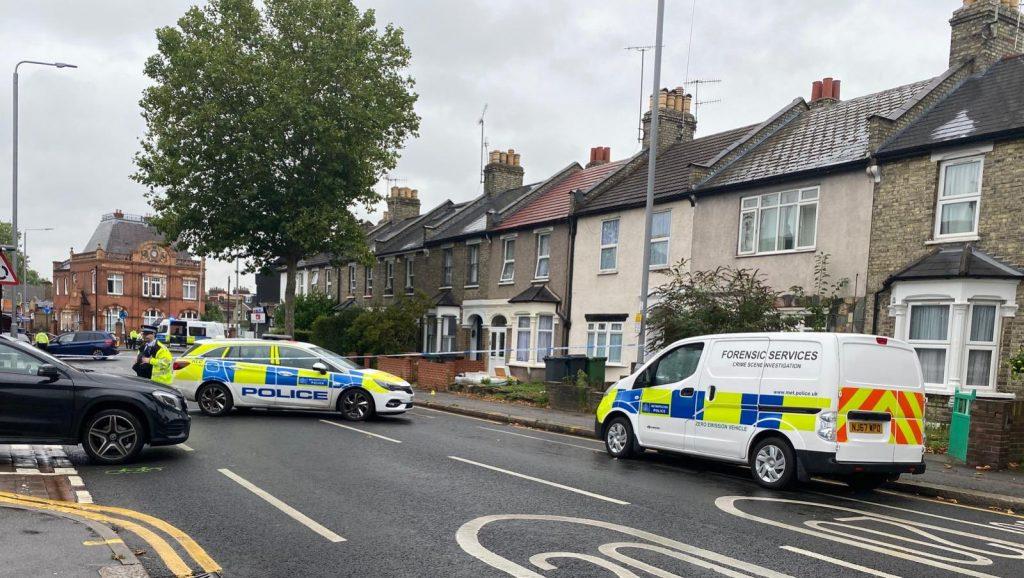 Walthamstow'da kenevir fabrikası: 5 kişi tutuklandı