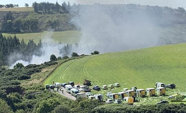 İskoçya'da raydan çıkan yolcu treni devrildi