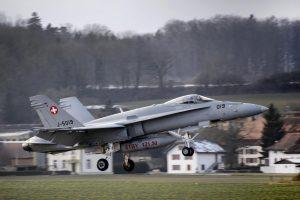 200 yıldır savaş görmeyen İsviçre'de savaş uçağı alma referandumu kafaları karıştırdı