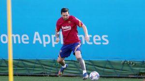 Kriz sona erdi, Lionel Messi Barcelona'da ilk antrenmanına çıktı