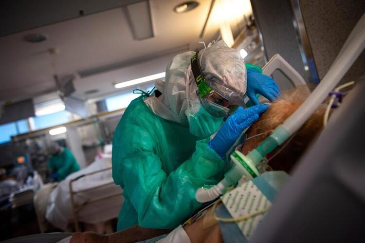 İnsanlığı koronavirüsten çok daha büyük bir tehlike bekliyor