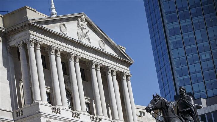 İngiltere Merkez Bankası politika faizini rekor düşük seviyede bıraktı