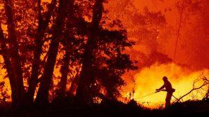 ABD'de üç eyalete yayılan yangınlarda 30'dan fazla kişi öldü, onlarca kişi kayıp durumda