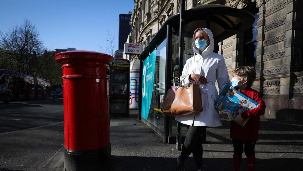 Koronavirüs kısıtlamaları, Kuzey İrlanda genelinde genişletildi