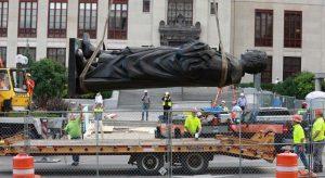 ABD'de Kristof Kolomb'un 33 heykeli kaldırıldı